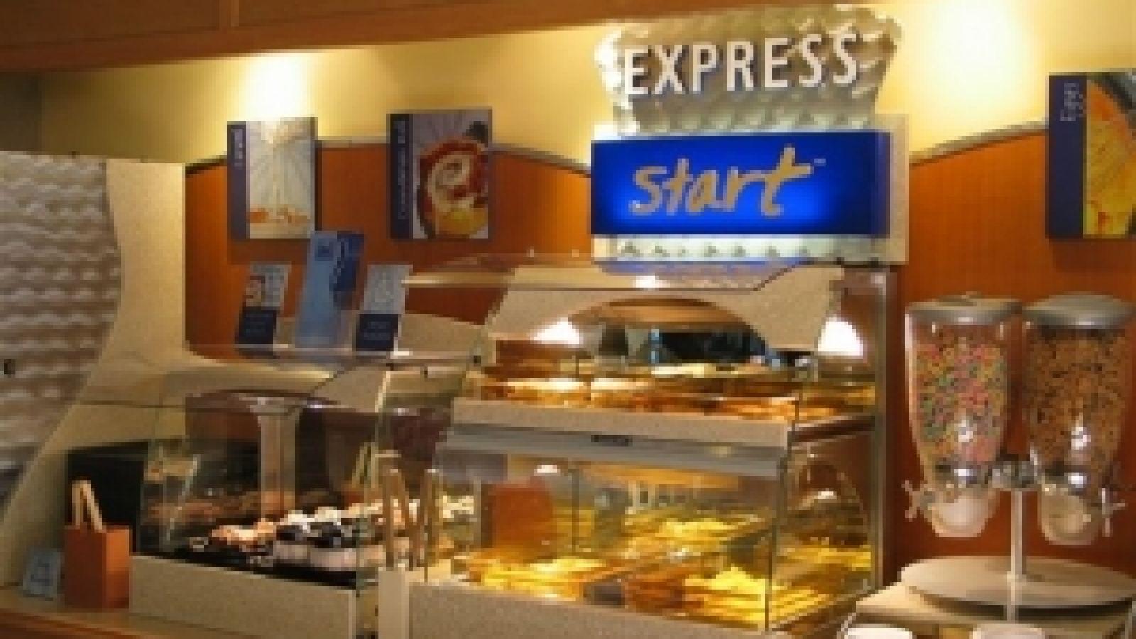 Kanata Kelowna Hotel & Conference Centre - breakfast bar