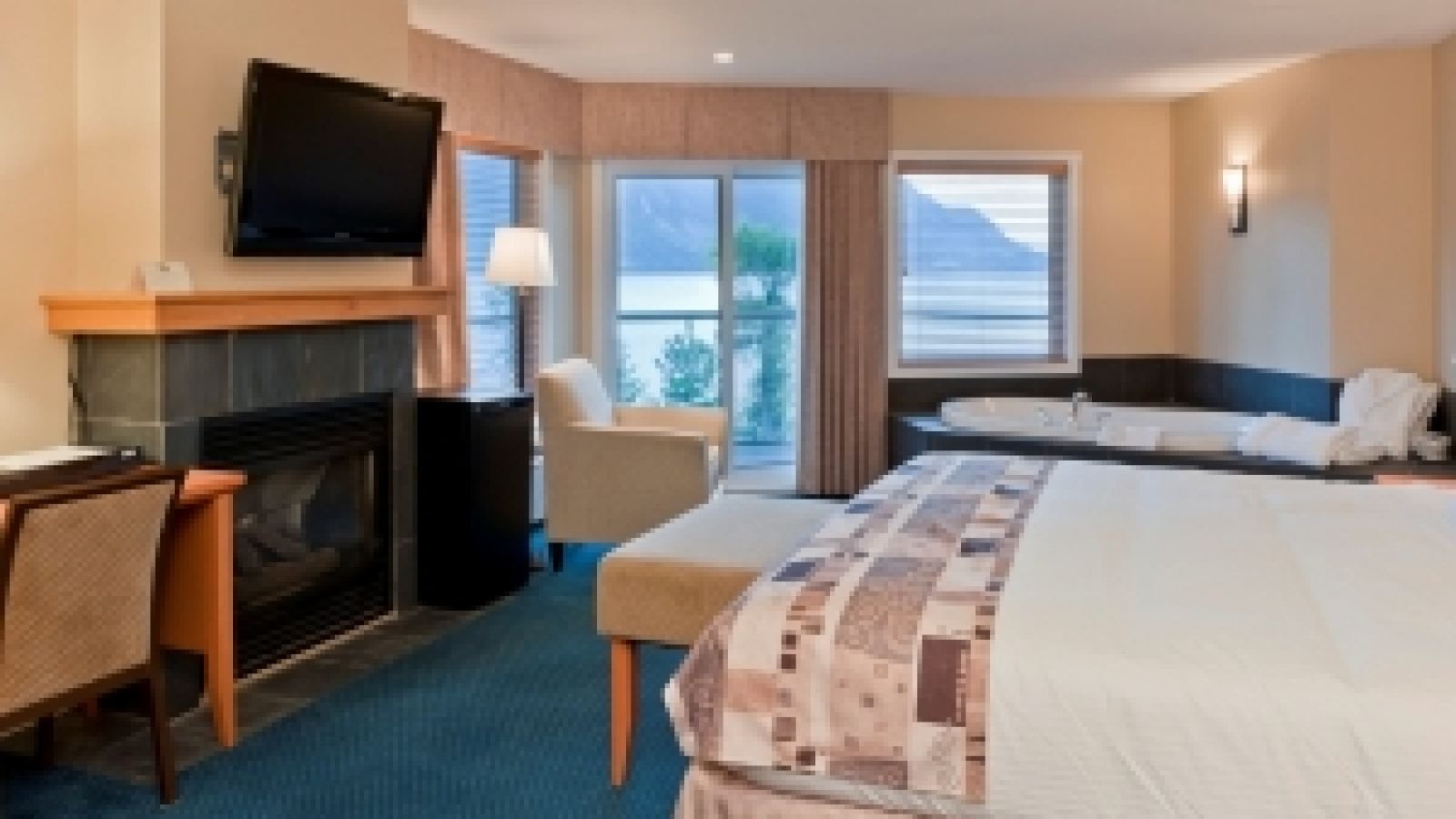 Talking Rock Resort - Shuswap golf packages