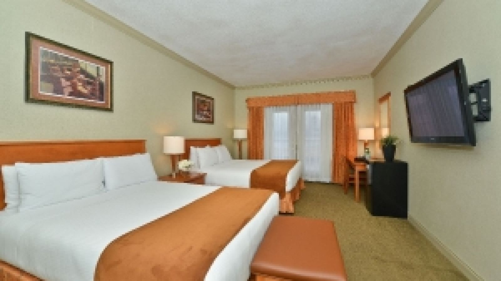 Prestige Harbourfront Resort and Convention Centre - Shuswap golf packages