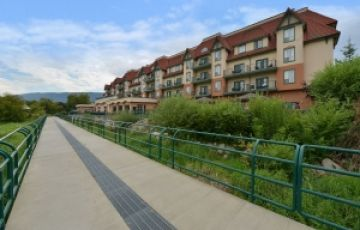 Prestige Harbourfront Resort and Convention Centre - Salmon Arm