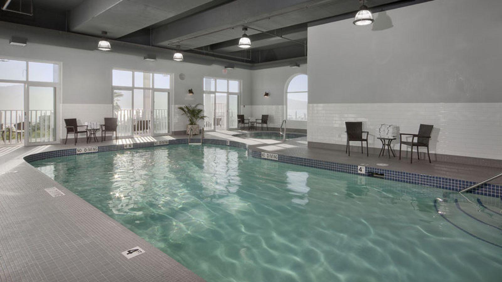 Best Western Premier Prestige Oceanfront Resort - Vancouver Island golf packages