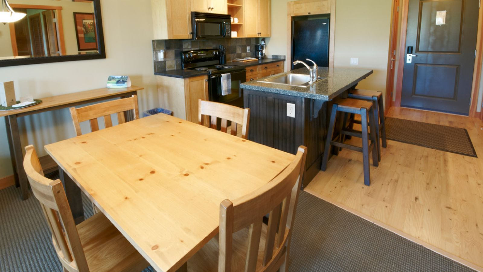 Predator Ridge Lodge - Kitchen