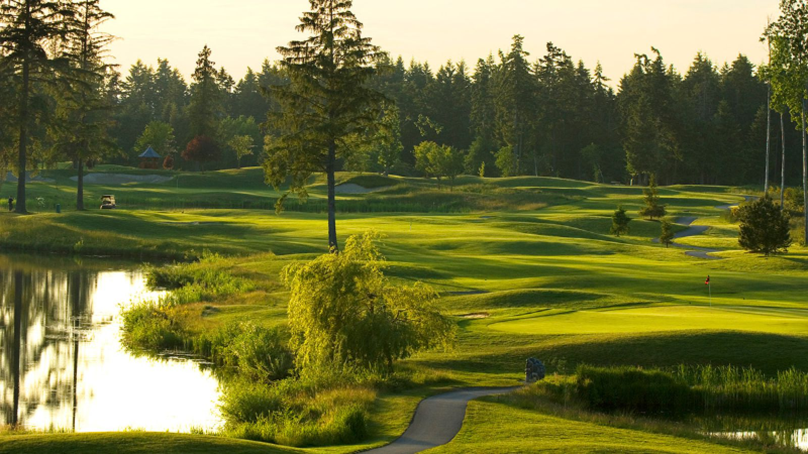 Crown Isle Resort - Vancouver Island golf packages