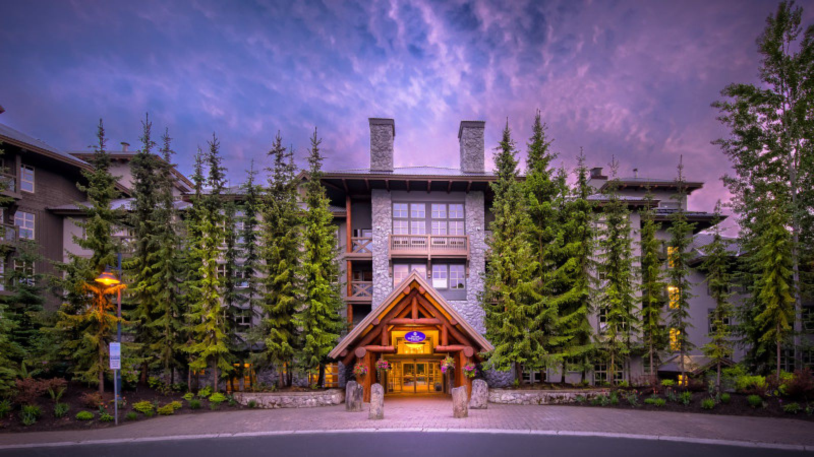 Coast Blackcomb Suites - Whistler golf packages