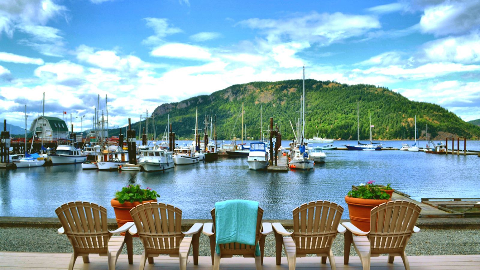 Oceanfront Suites at Cowichan Bay - Vancouver Island golf packages