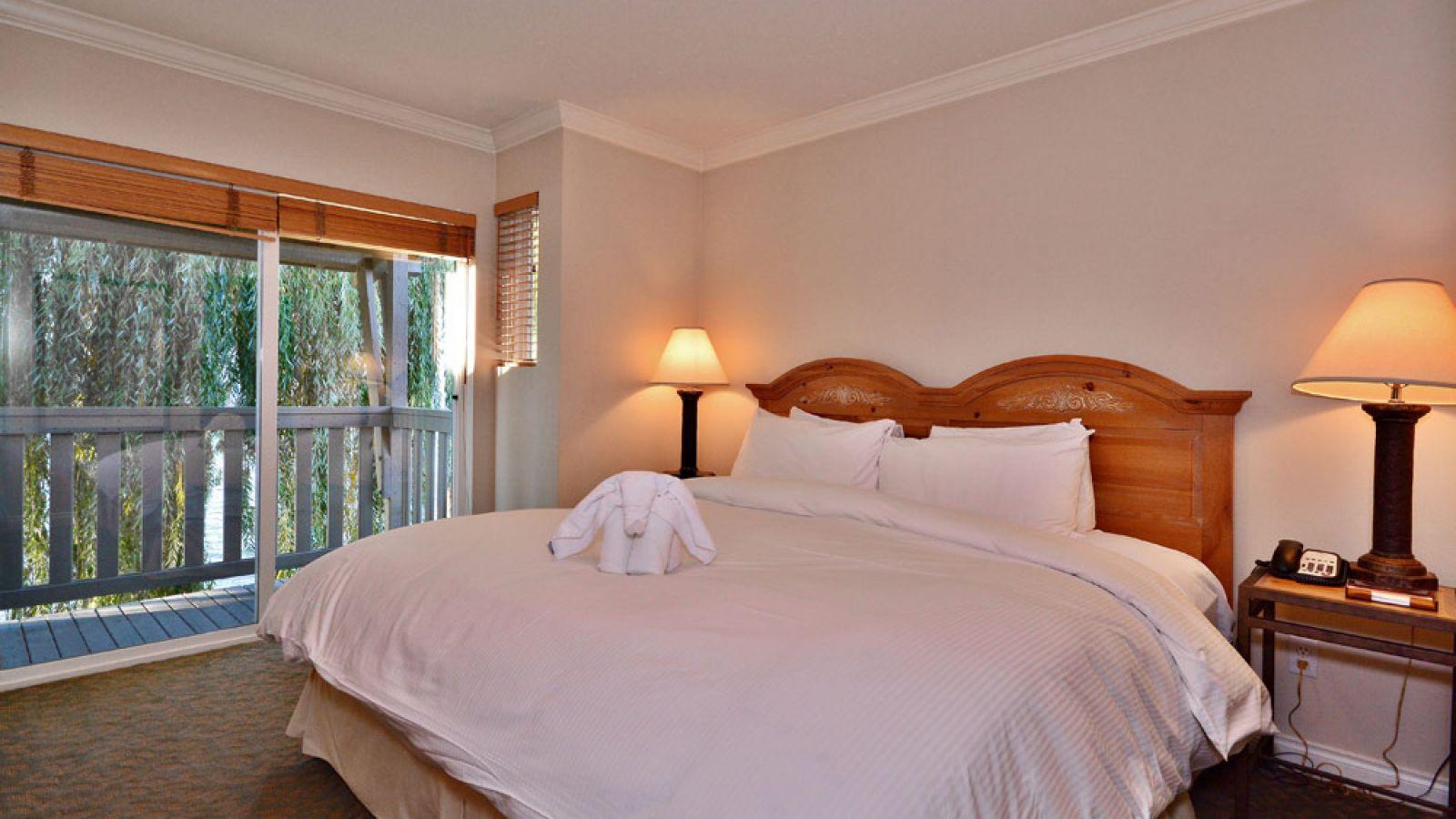 Two Bedroom Villa Beachfront at Manteo