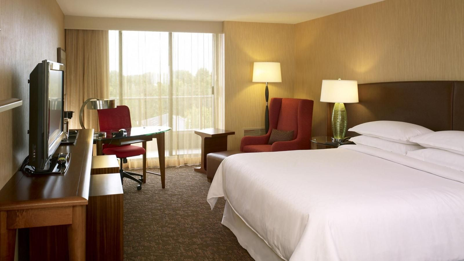 Sheraton Vancouver Airport Hotel - King Room