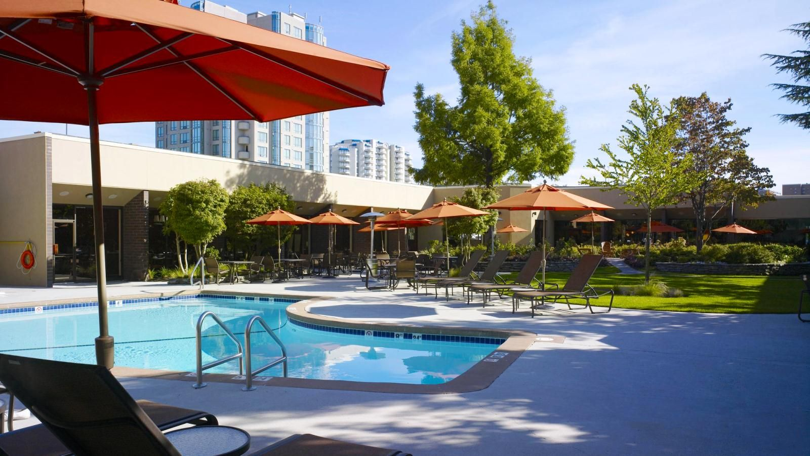 Sheraton Vancouver Airport Hotel - Pool