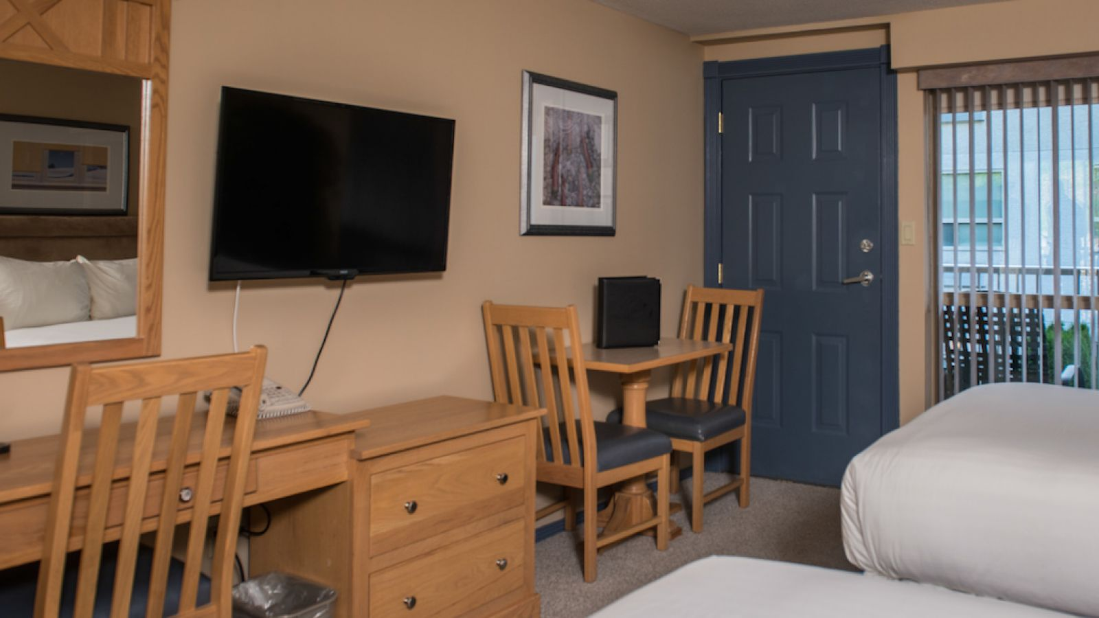 Oasis Building - standard room - Podollan Inn Salmon arm