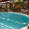Vernon Lodge and Conference Centre - swimming pool