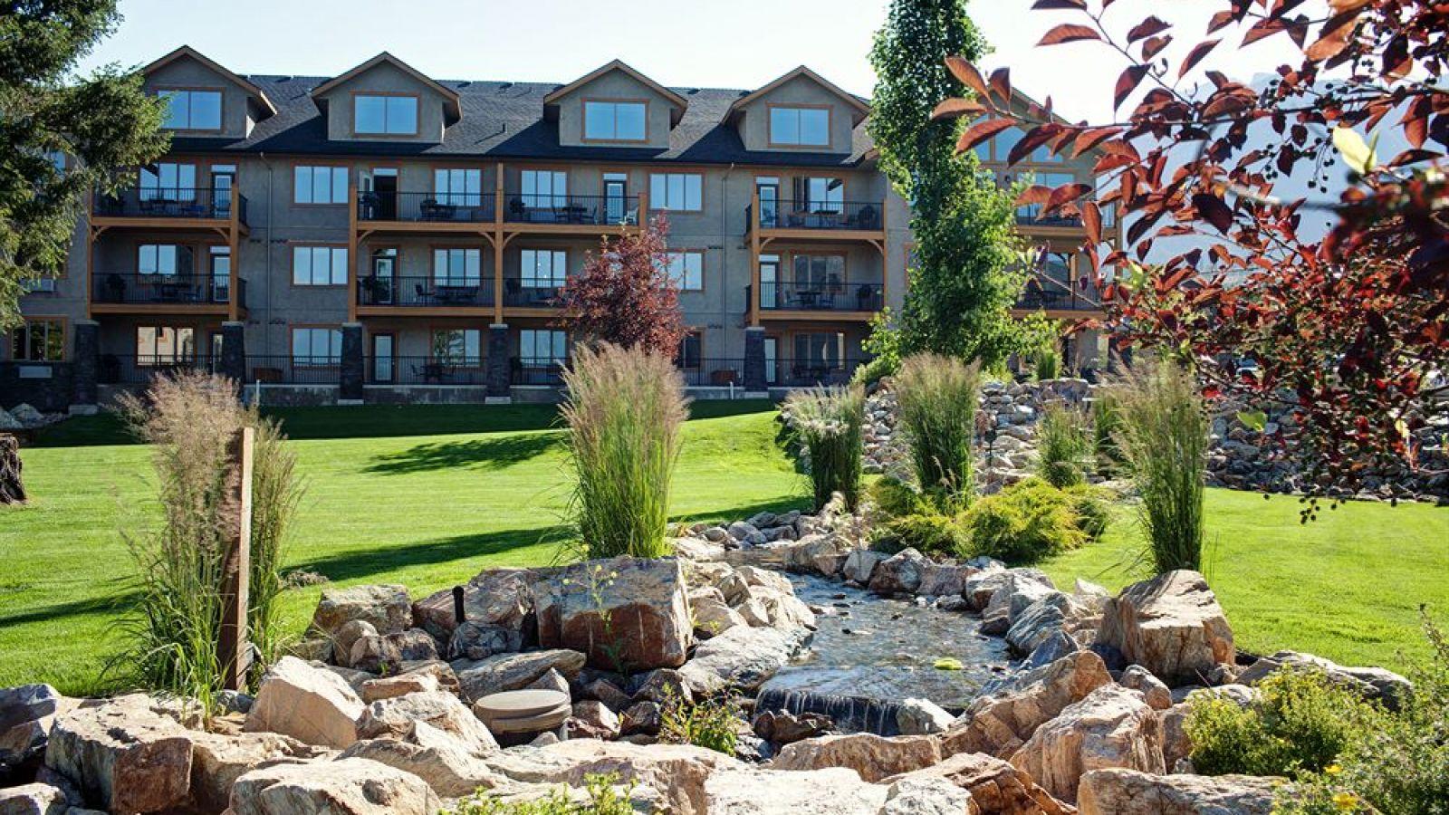 Bighorn Meadows Resort - Columbia Valley golf packages