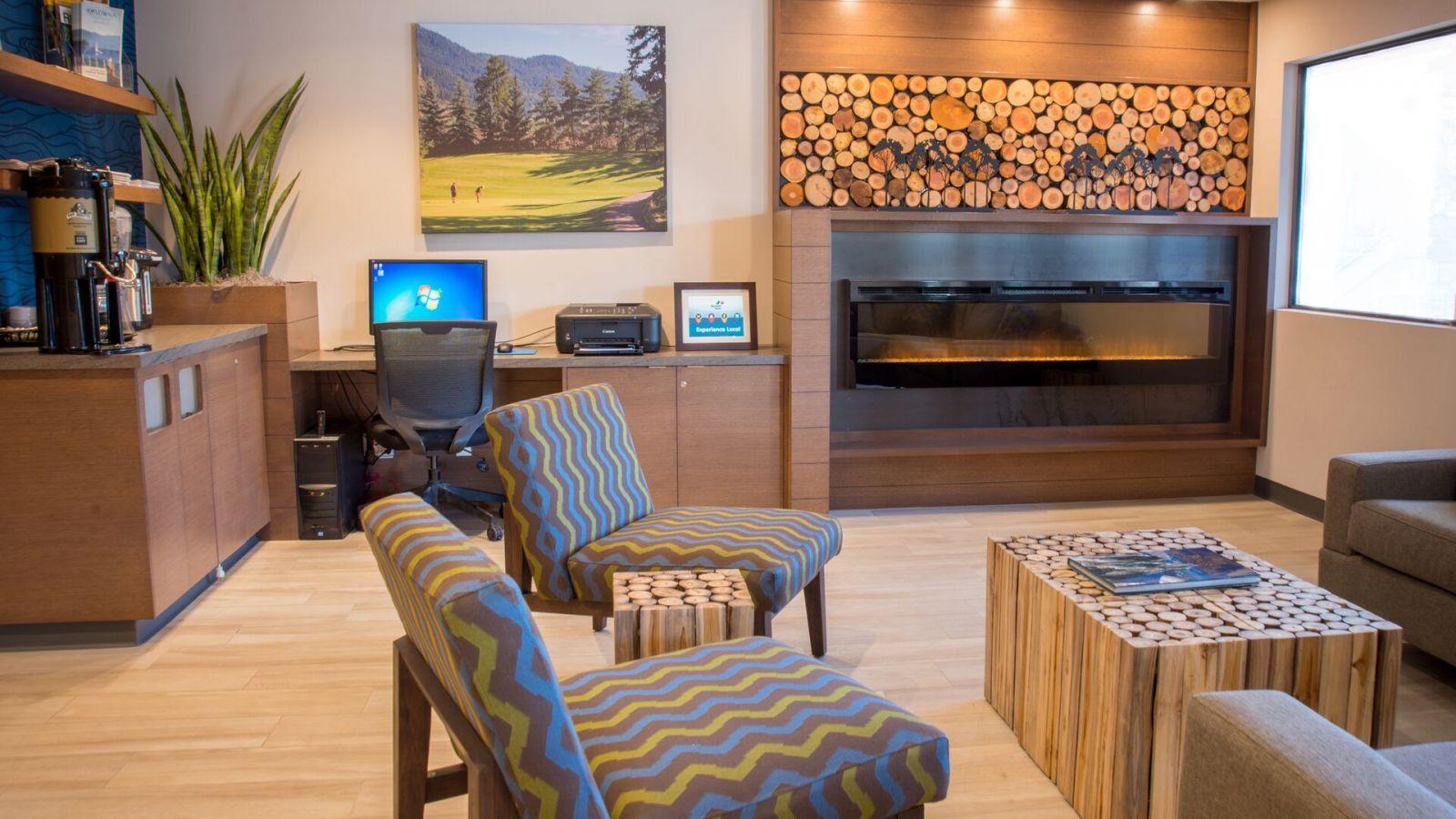 Accent Inn - Lobby Area