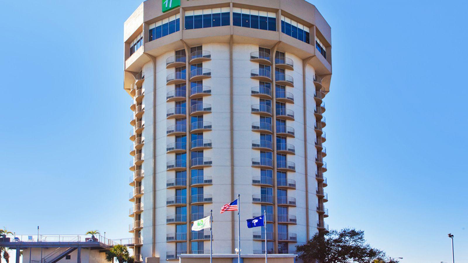 Holiday Inn Charleston Riverview - main exterior