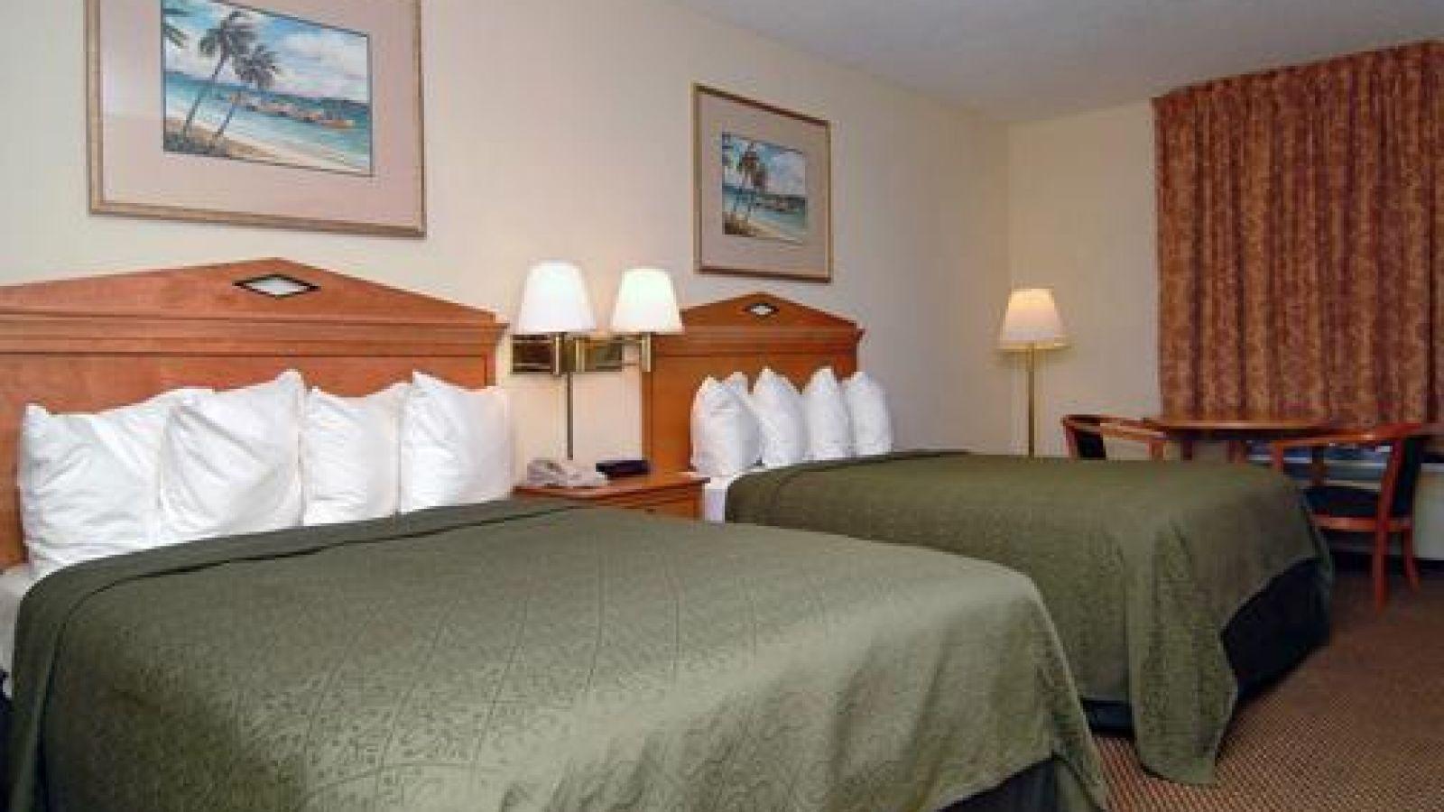 Holiday Inn Charleston Riverview - standard room