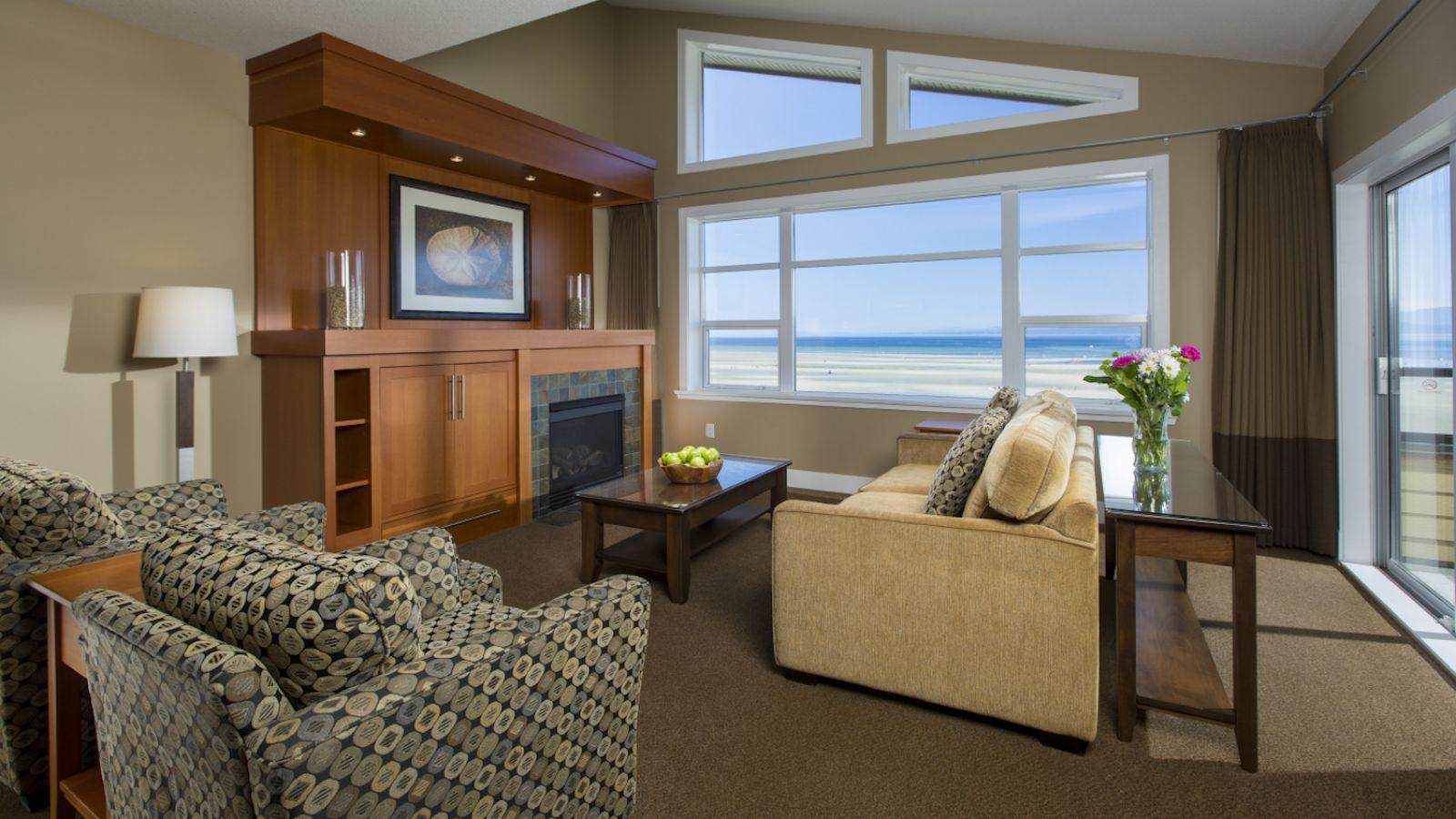 Beach Club Resort - living room