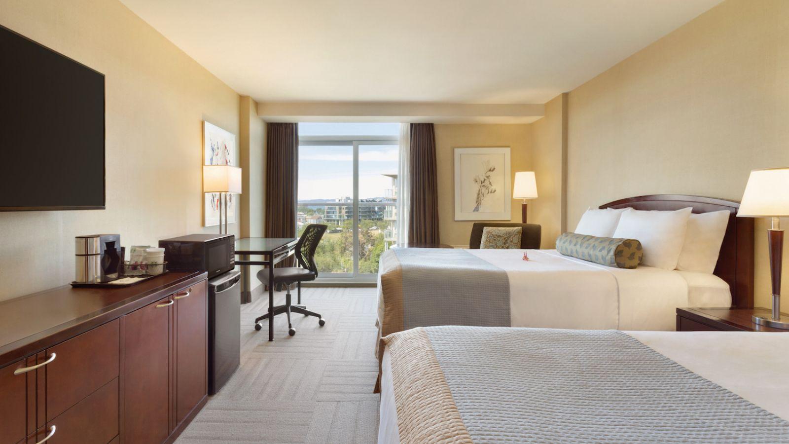 Coast Victoria Hotel & Marina by APA