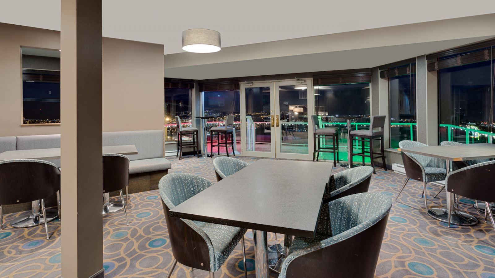 Ramada Hotel Kamloops - The Roof Top Bar