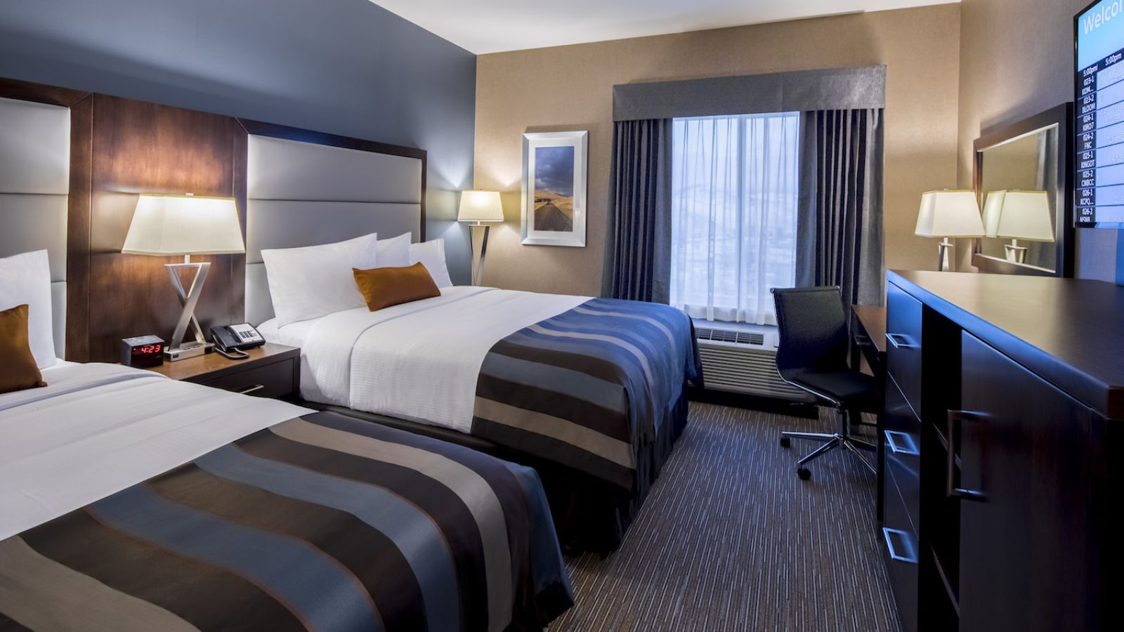 Standard Q/Q room at the Wingate by Wyndham Kamloops