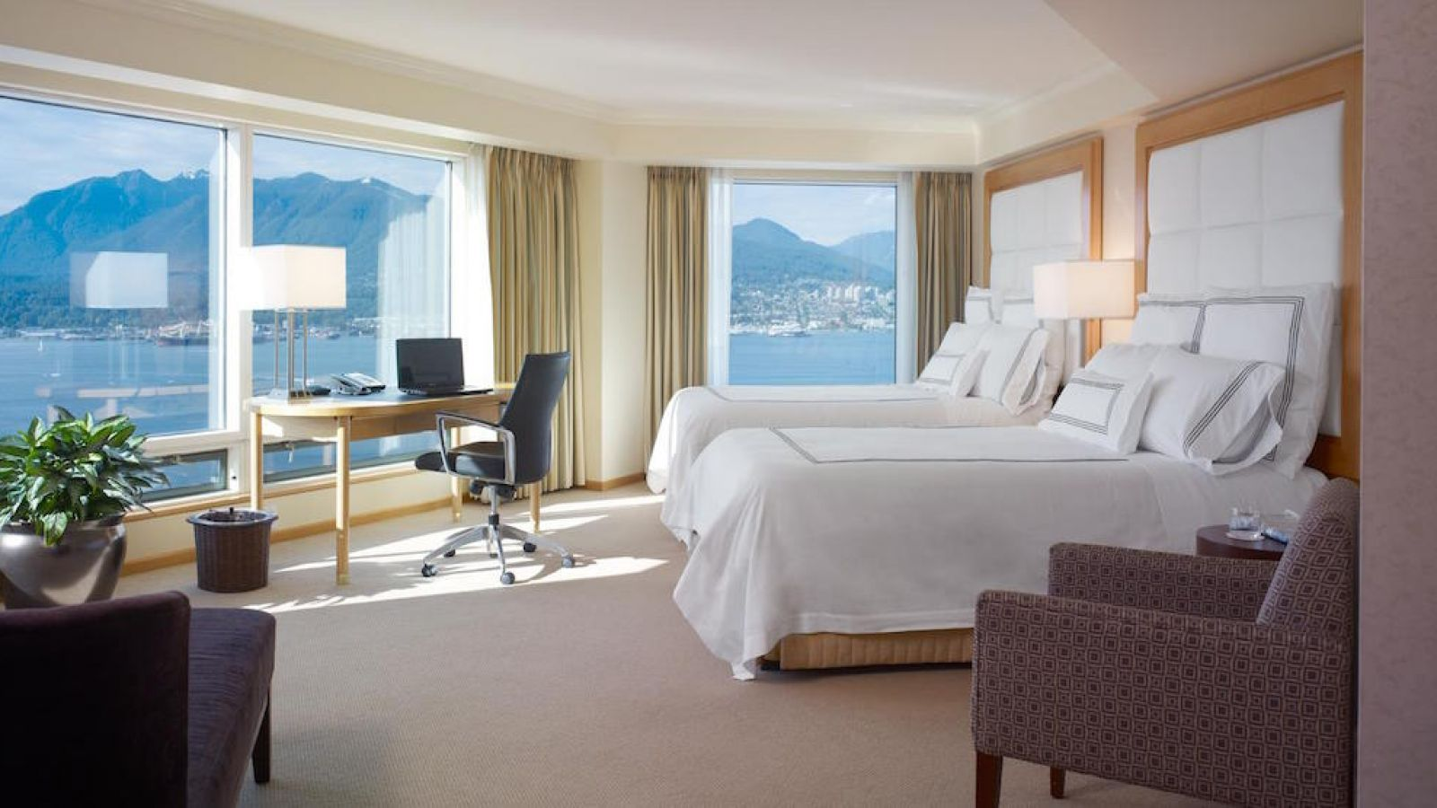 Pan Pacific Vancouver - harbourview room