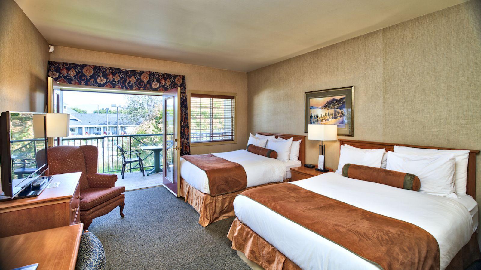 standard two queen room
