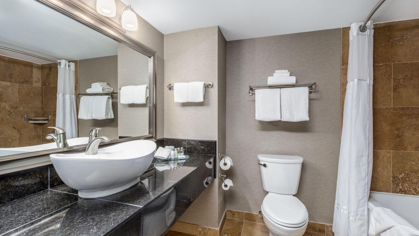 Prestige Radium Hot Springs Resort - bathrooms