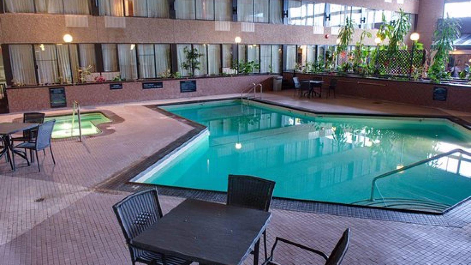Sandman Hotel Castlegar - East Kootenay BC golf packages