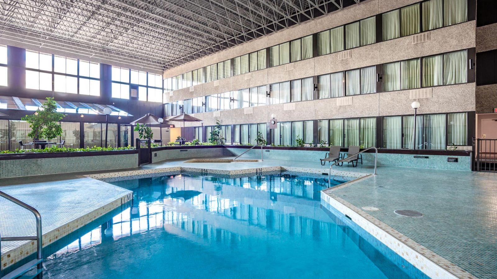 Sandman Penticton Pool area