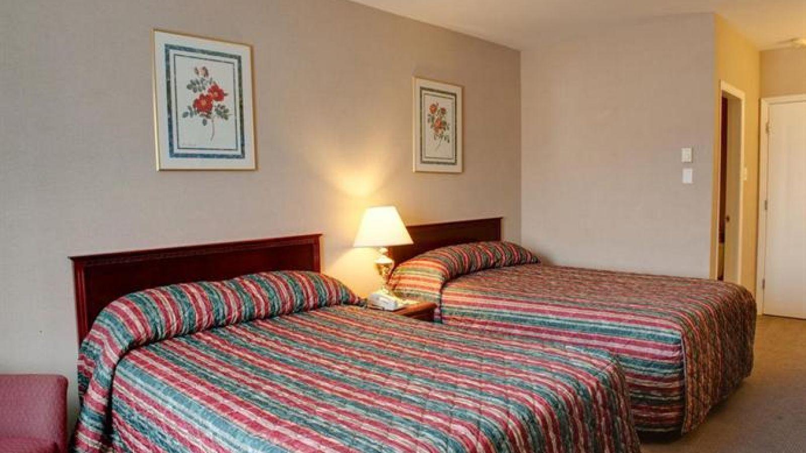 Sandman Inn & Suites Kamloops - standard room