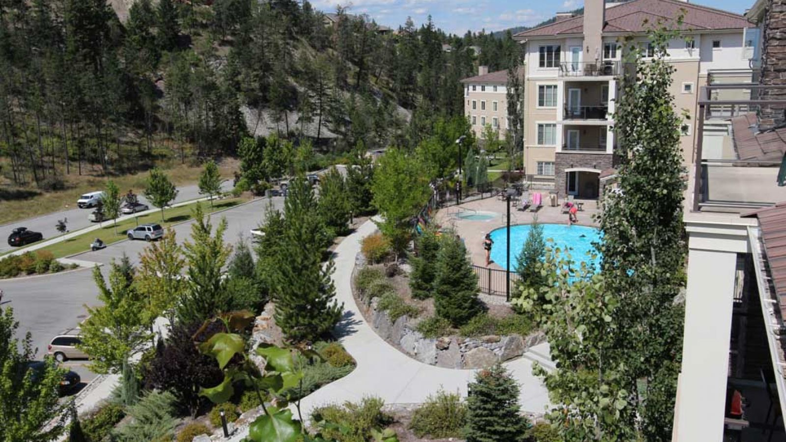 Pinnacle Point Condos - swimming pool