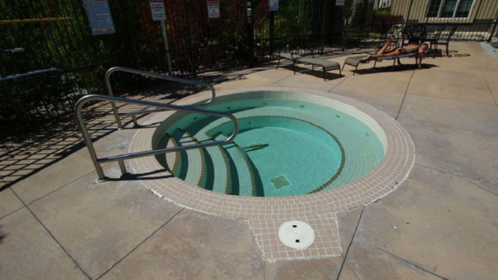 Pinnacle Point Condo hot tub