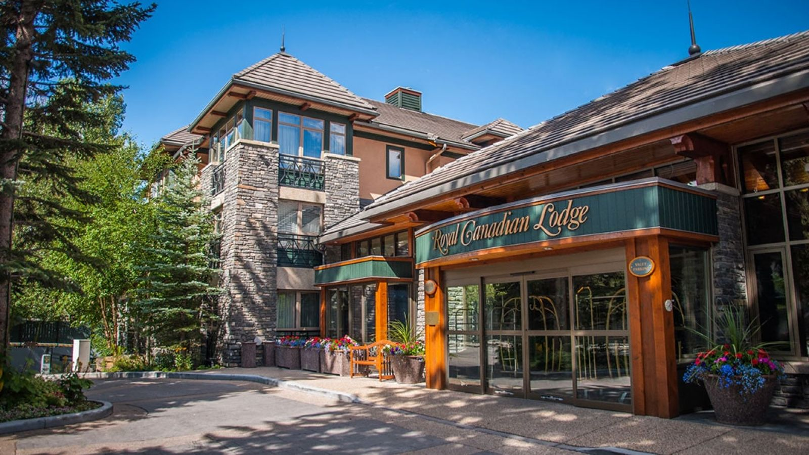 Royal Canadian Lodge - Alberta golf packages