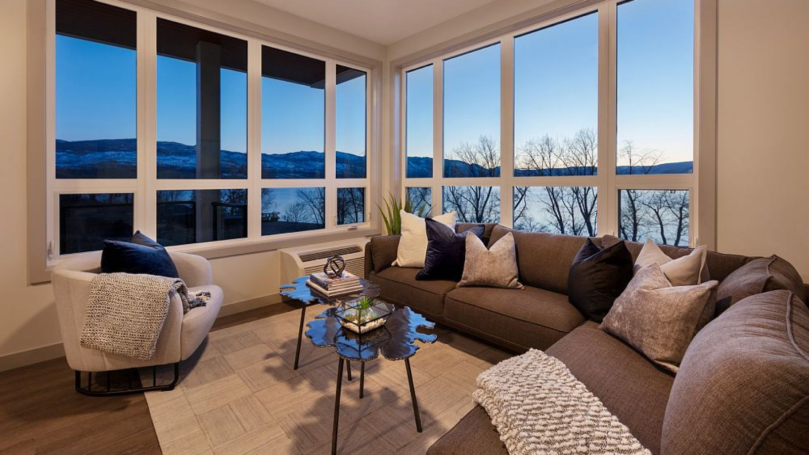 The Shore - Kelowna condo suites by Lake Okanagan