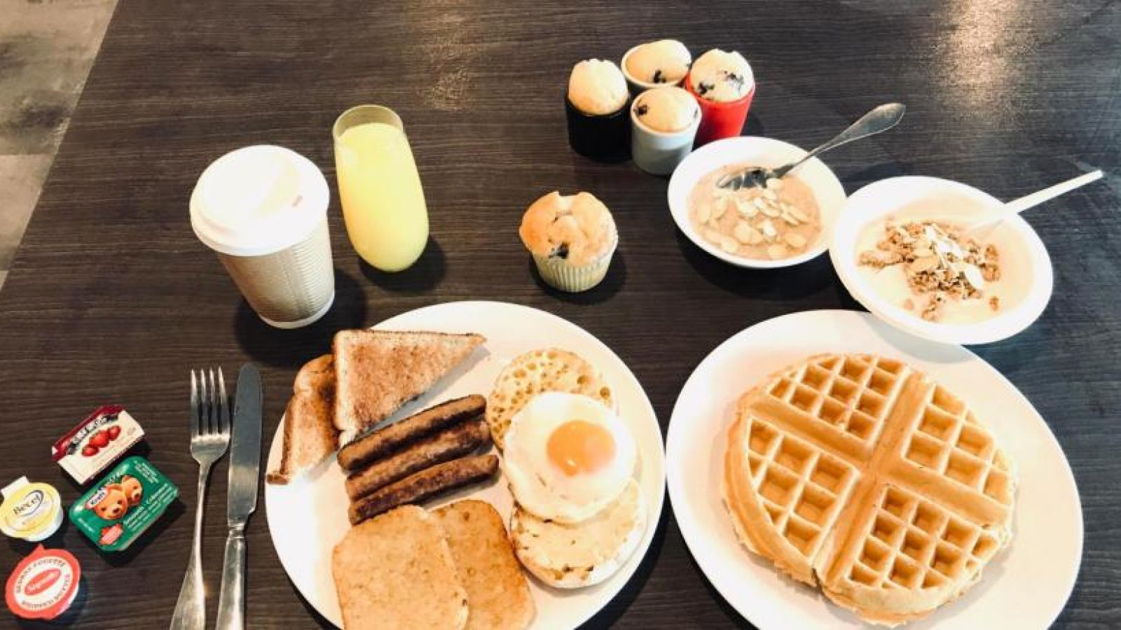 The Hue Hotel, free breakfast