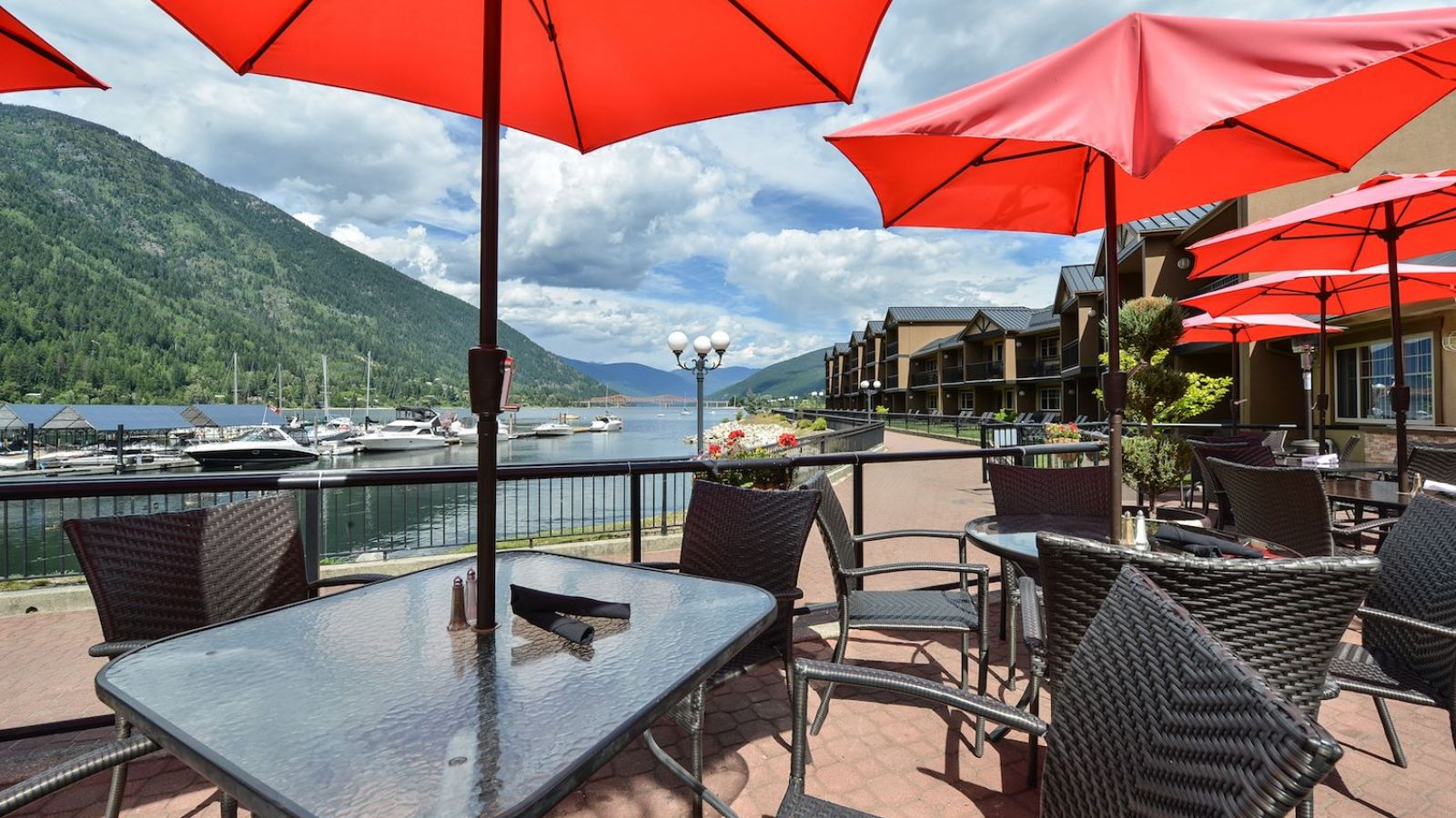 Prestige Lakeside Resort - East Kootenay golf packages