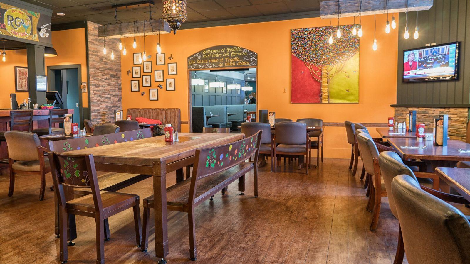 Prestige Inn Golden -Dining
