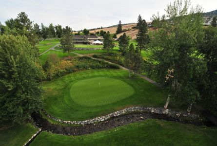 Prestige Beach House Kelowna Golf Vacation