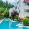 Podollan Inn Salmon Arm Stay and Play