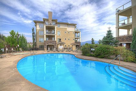 Pinnacle Point Kelowna Condo Golf