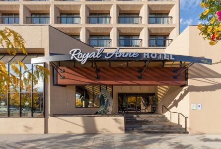 Royal Anne Hotel Kelowna Golf Trip