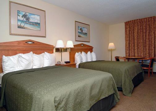 Holiday Inn Charleston Riverview - standard room