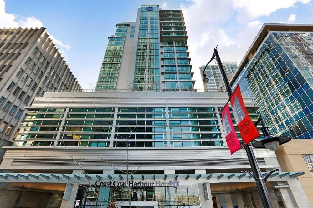 Coast Coal Harbour Hotel - BC golf packages